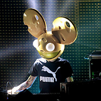 Deadmau5 has had enough of marshmello, calls him out on twitter.
